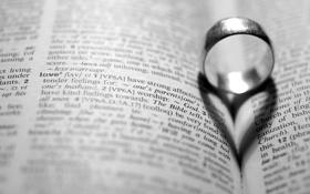 Обои бумага, фон, черно-белый, обои, романтика, настроения, сердце