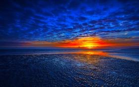 Обои море, небо, облака, закат, отражение, зарево