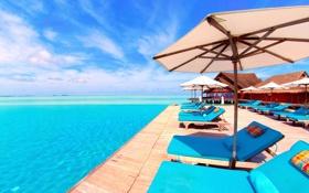 Обои море, небо, солнце, зонт, бассейн, шезлонг, бунгало