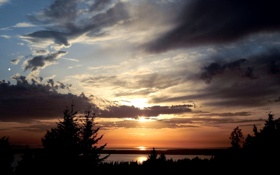 Картинка небо, облака, деревья, закат, река