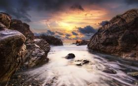 Картинка небо, облака, закат, камни, океан, скалы, франция