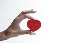 Обои фон, сердце, рука