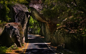 Картинка дорога, скалы, тень, тоннель
