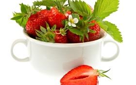 Обои ягоды, клубника, кружка