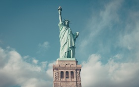 Картинка blue, manhatten, Нью-Йорк, new york city, statue of liberty, статуя Свободы, sky