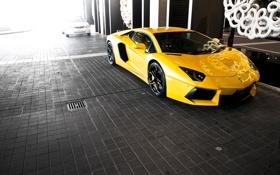 Картинка жёлтый, брусчатка, lamborghini, блик, вид спереди, yellow, aventador