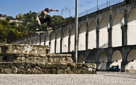 Обои скейтборд, полицейский, скейтбординг, экстремальный спорт, прыжок, Рио-де-Жанейро, Бразилия