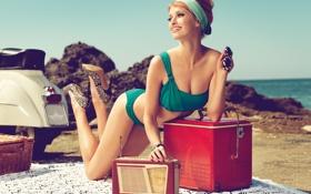Картинка Bikini, Beach, Smile, Heels, Redhead, Vespa, Sunglasses