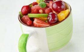 Обои ягоды, кружка, фрукты, десерт, fruits, dessert, berries