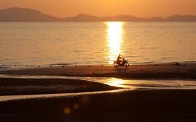 Картинка море, закат, мотоцикл