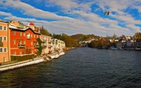 Обои небо, город, река, фото, дома, Австрия, Gmunden