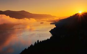Обои солнце, закат, горы, природа, горизонт, каньон, дымка