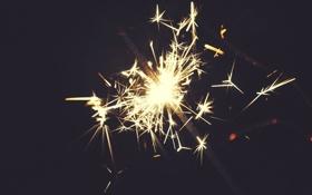 Обои новый год, бенгальский огонь, фейерверк, освещение, праздник, макро, темный фон