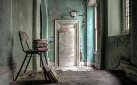 Картинка окна, стул, книги
