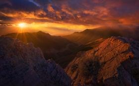 Картинка закат, панорама, солнце, природа, горы, лучи