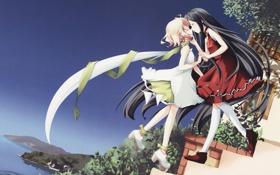 Обои девушки, поцелуй, шарф, ступеньки, платья
