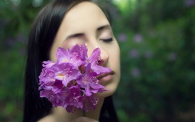Обои цветок, девушка, настроение