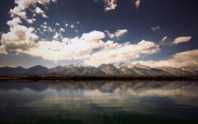 Обои небо, вода, горы, фото, холмы, обои, пейзажи