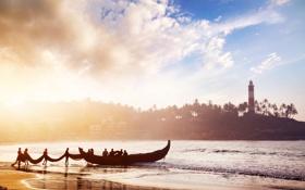 Картинка песок, море, облака, люди, маяк, лодки, утро