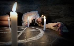Обои девушка, ситуация, круг, свечи
