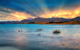 Обои лучи, закат, горы, тучи, озеро, New Zealand, Lake Tekapo