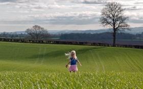 Картинка поле, свобода, дерево, настроение, девочка