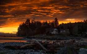 Обои облака, восход солнца, дома, коряги, озеро, оранжевое небо