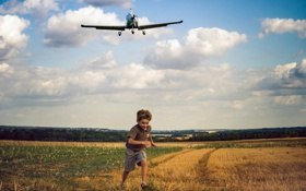 Картинка поле, настроение, мальчик, самолёт