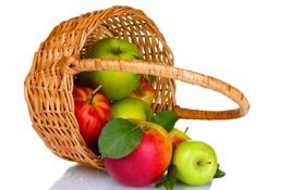 Обои красные, яблоки, фрукты, корзина, зеленые