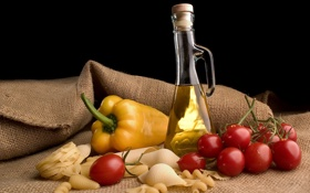 Обои бутылка, масло, перец, натюрморт, помидоры, томаты, макароны