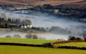 Обои утро, долина, дома, поля, туман