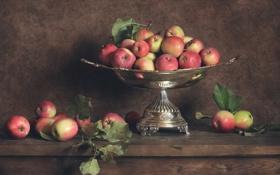 Обои яблоки, натюрморт, стол, ваза