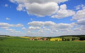 Картинка поле, небо, облака, деревья, холмы, дома