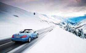 Картинка дорога, небо, облака, снег, деревья, горы, синий