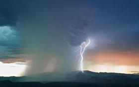 Обои гроза, горы, тучи, природа, молния