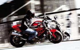 Обои отражение, скорость, мотоциклист, ducati