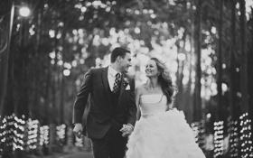 Картинка девушка, улыбка, платье, костюм, черно-белое, парень, невеста
