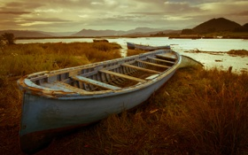 Обои горы, река, лодки, берега
