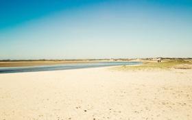 Обои пейзаж, трава, лето, вода, песок, пляж, побережье