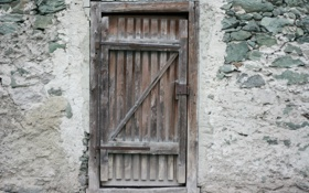 Обои lack of maintenance, wooden door, spent
