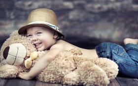 Обои дети, улыбка, игрушка, ребенок, шляпа, мальчик, мишка
