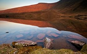 Обои прозрачность, природа, озеро, отражение, камни, гора