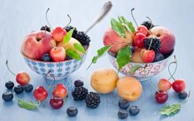 Картинка ягоды, фрукты, натюрморт, черешня, ежевика, абрикосы, голубика