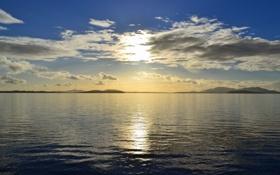 Обои небо, солнце, облака, озеро, спокойствие