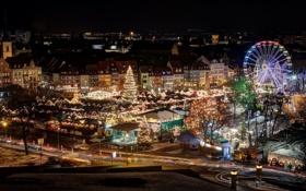 Обои город, огни, елка, дома, Германия, Рождество, ярмарка