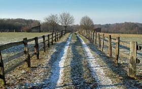 Картинка пейзаж, поле, забор, дорога