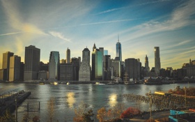 Обои река, Город, небоскрёбы
