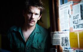 Обои газеты, актер, вырезки, Ethan Hawke, Итан Хоук, роль, The Bartender