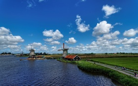 Картинка дорога, поле, небо, облака, канал, Нидерланды, ветряная мельница