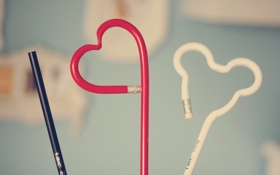 Картинка фон, настроения, сердце, карандаш, форма, сердечко, канцтовары